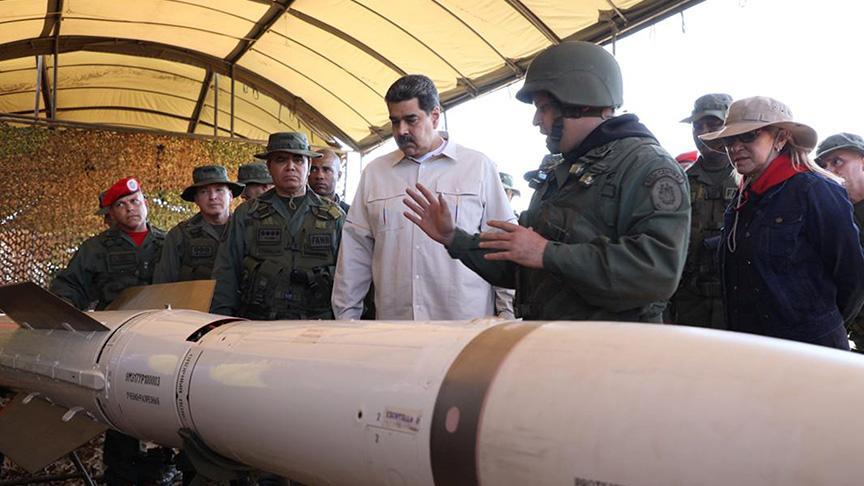 Venezuela'da askeri müdahale tehditleri arasında tatbikat başladı