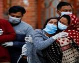 Hindistan'da vakalar düşüyor: Son 24 saatte 2 bin 219 kişi öldü