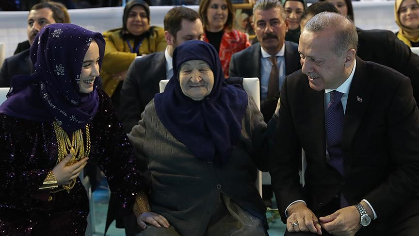 107 yaşındaki Şükriye Özbay: Erdoğan sana bir şey olmasından korkuyorum
