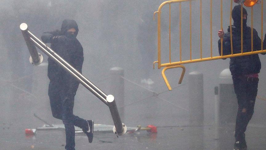 Belçika polisinden göstericilere aşırı güç