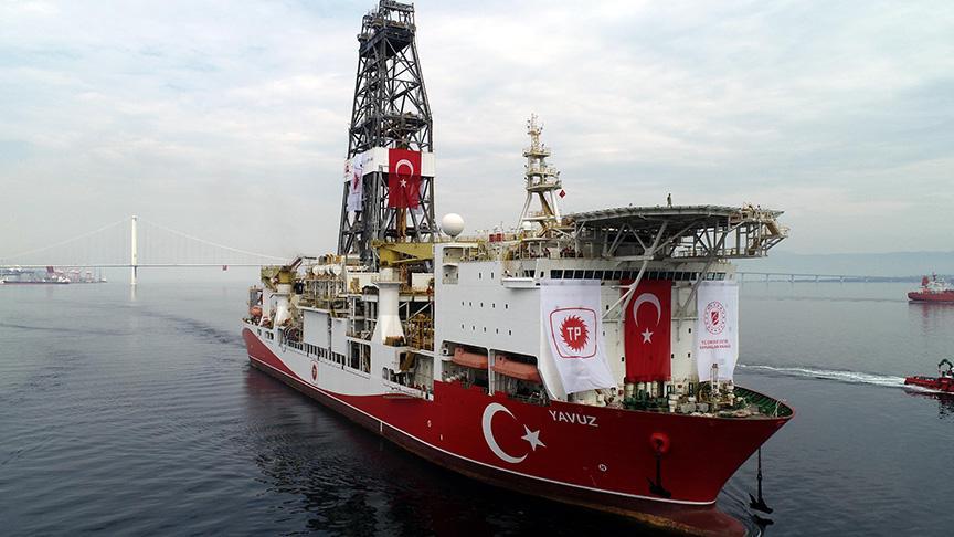 Fatih'i, Yavuz'u milli savaş gemileri koruyor