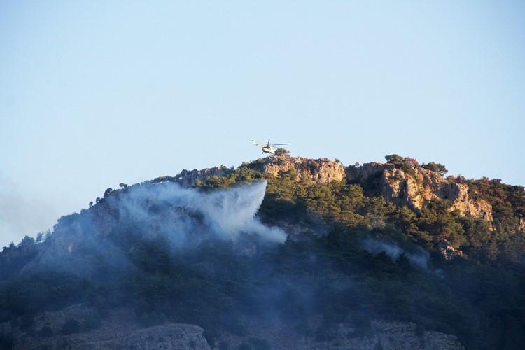 Bakan Pakdemirli Göcek'de 39 saattir müdahale edilen yangını denetledi