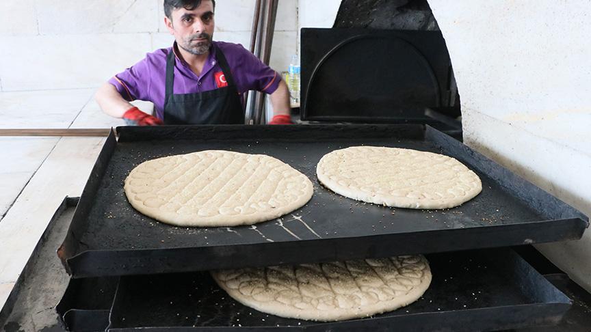 Tokat çöreği iftar ve sahur sofralarını süslüyor