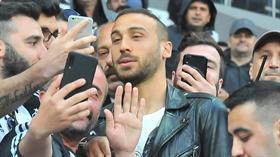 Beşiktaş, Cenk Tosun'u kiralamak için Everton'la görüşmelere başladı