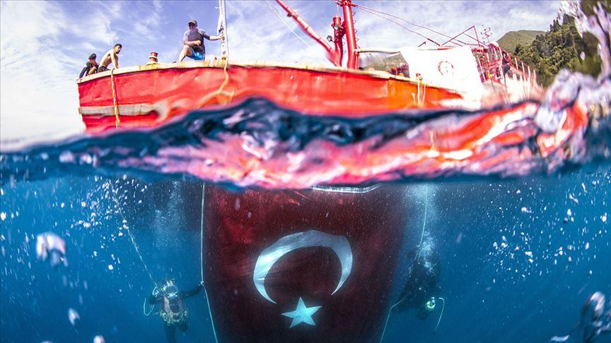 'Denizlerin astronotları'ndan anlamlı dalış