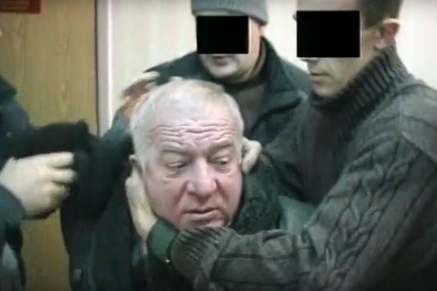 Rusya'dan BBC'ye 'Skripal' tepkisi: Film çekeceğinize halka bilgi verin