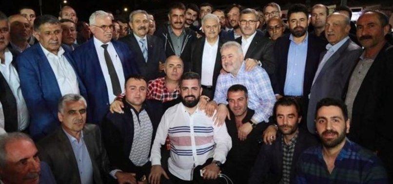 Binali Yıldırım Harem Otogarı'nda vatandaşlarla sahur yaptı