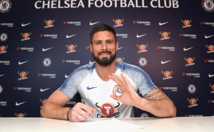 Giroud 1 yıl daha Chelsea'de