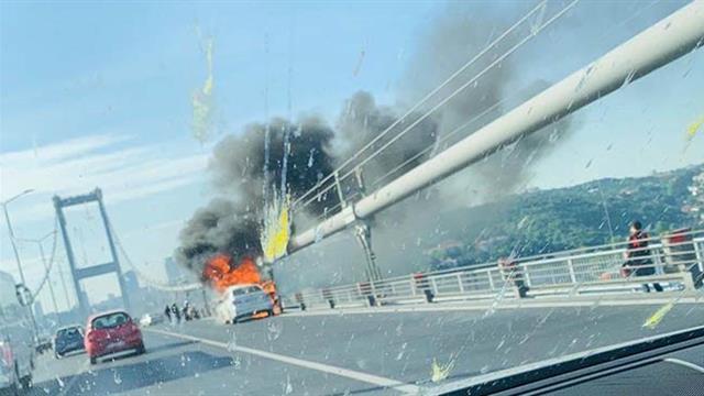 Aracını yakıp köprüden atladı