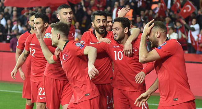 A Milli Takım'ın maçlarını yönetecek hakemler açıklandı