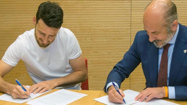 Aritz Aduriz 1 yıl daha Athletic Bilbao'da