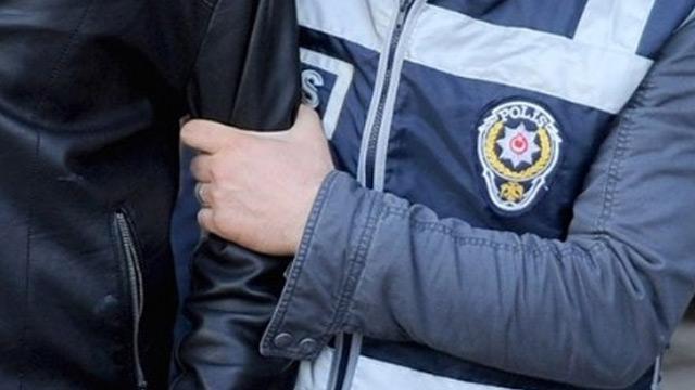 İzmir'de gasp girişiminde bulunan 3 kişi tutuklandı