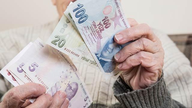 Memur emeklisineen az 2 bin 562 lira
