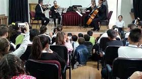 Anadolu çocuklarının yüzünü güldüren senfoni