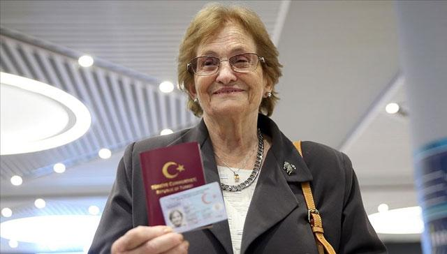 69 yıldır vatan hasreti çeken 85 yaşındaki Raşel Kazes Türkiye'ye geldi