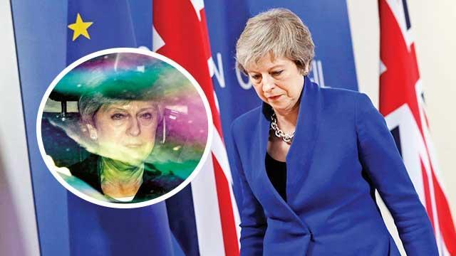İngiltere'de siyasi kriz: May için yolun sonu göründü