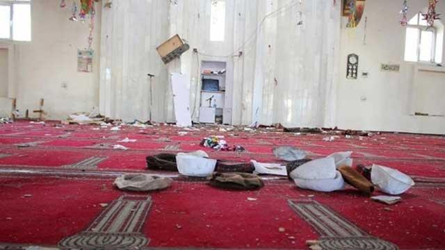 Afganistan'da cuma namazında bombalı saldırı düzenlendi