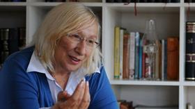 Yazar Alev Alatlı: Popülist dogma, meydanı kifayetsiz muhterislere bırakıyor