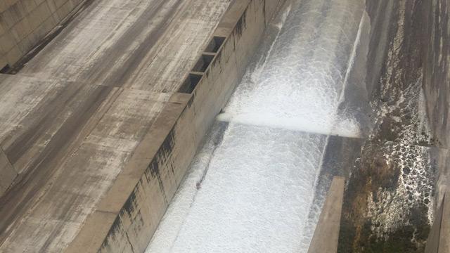 Atatürk Barajı'ndan su bırakılmaya başlandı