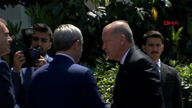 Başkan Erdoğan AK Parti İstanbul İl Başkanlığı'nda