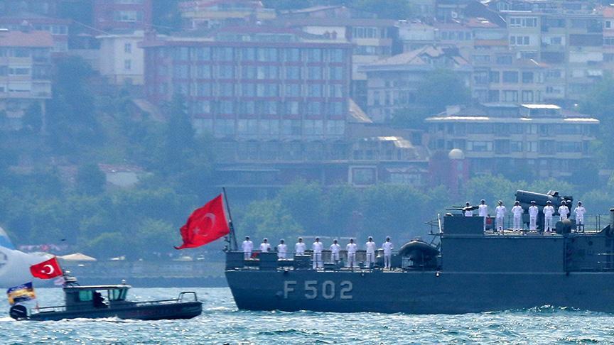 Deniz Kurdu Tatbikatına katılan gemilerden Barbaros Hayrettin Paşa'ya selam