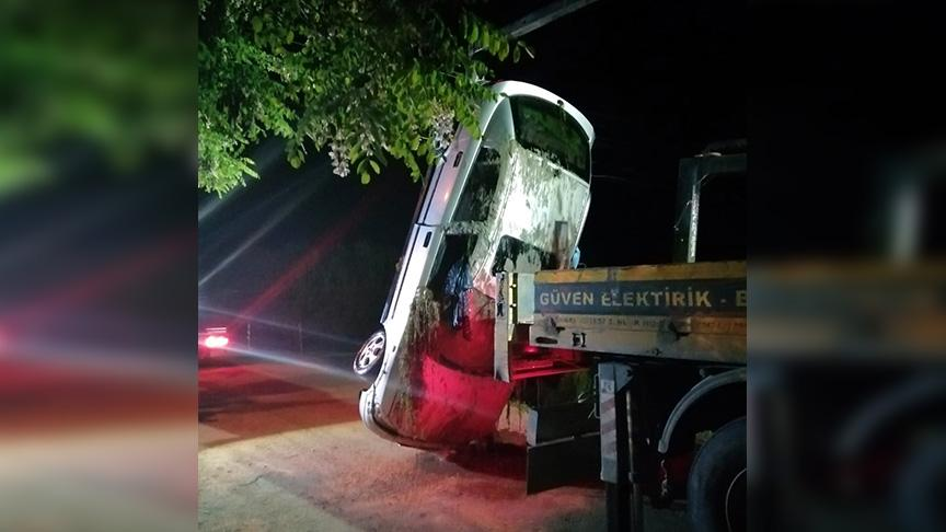 Antalya'da feci kaza: Hem annesini hem eşini kaybetti, kendisi ağır yaralandı