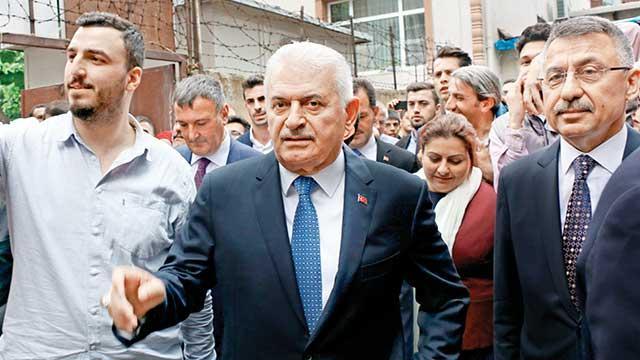 'İstanbul, lafla değil tecrübeyle güzel olacak'