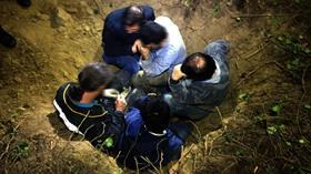 Bursa'da kaçak define avcısı ölü taklidi yaparak polisten kurtulmaya çalıştı