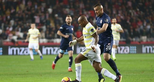 Fenerbahçe sezonun son maçında Antalyaspor'u konuk ediyor! İşte muhtemel 11'ler