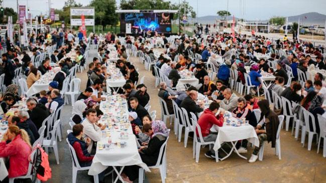 Kadıköy Benim Platformu, Caddebostan sahilinde iftar verdi!