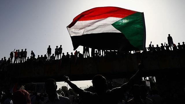 Sudan'da ordu halka ateş açtı: 5 ölü ile ilgili görsel sonucu