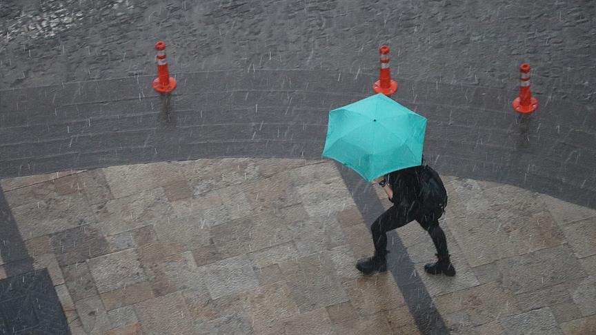 Meteoroloji'den çok sayıda il için kuvvetli yağış uyarısı geldi