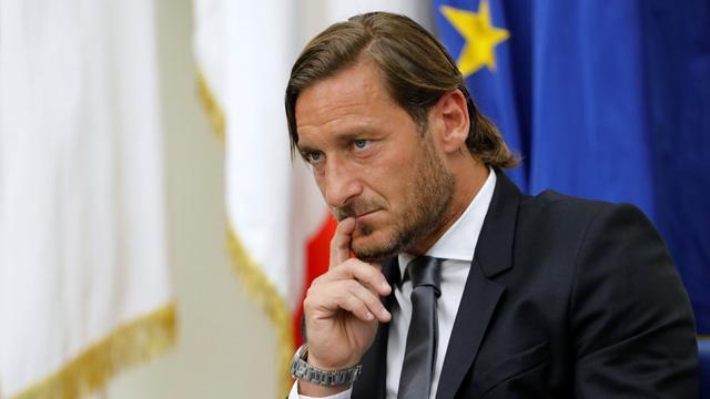 Francesco Totti Roma'dan ayrıldığını çarpıcı sözlerle duyurdu
