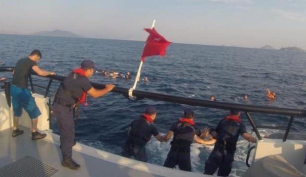 Bodrum açıklarında düzensiz göçmenleri taşıyan tekne battı, 31 kişi kurtarıldı