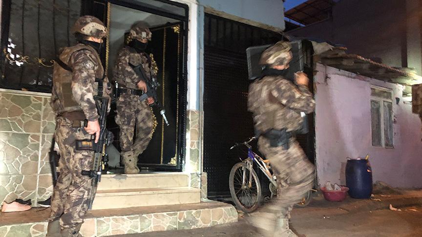 Bursa'da bin polisle şafak operasyonu: Çok sayıda gözaltı var