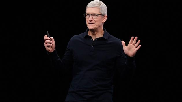 Apple CEO'su Tim Cook: Teknoloji şirketleri oluşturdukları kaosun sorumluluğunu almalı