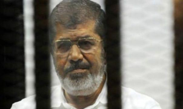 Son dakika! Mısır eski Devlet Başkanı Muhammed Mursi mahkeme salonunda şehit oldu