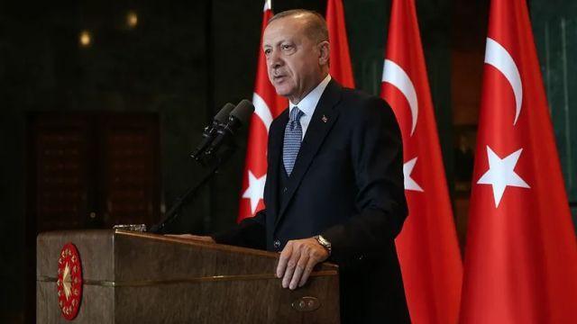 Başkan Erdoğan: Beyefendi çıkmış diyor ki 'Ben burs vereceğim.' Siz bunu iptal ettirdiniz, nasıl vereceksiniz?
