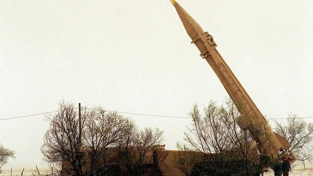 Yemen'de Husilere ait füze fırlatılırken patladı, İranlı uzmanlar öldü