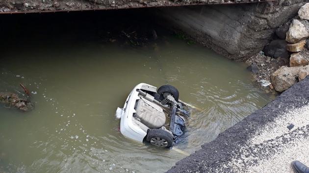 Bolu'da otomobil dereye düştü: 3 kişi hayatını kaybetti