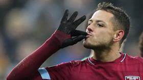 Galatasaray birinci golcü olarak 'Chicharito' lakaplı Javier Hernandez için girişimlere başladı