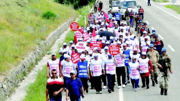 CHP binlerce üyeyi zorla istifa ettirdi
