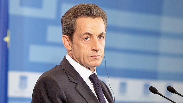 Sarkozy'e yolsuzluk davası