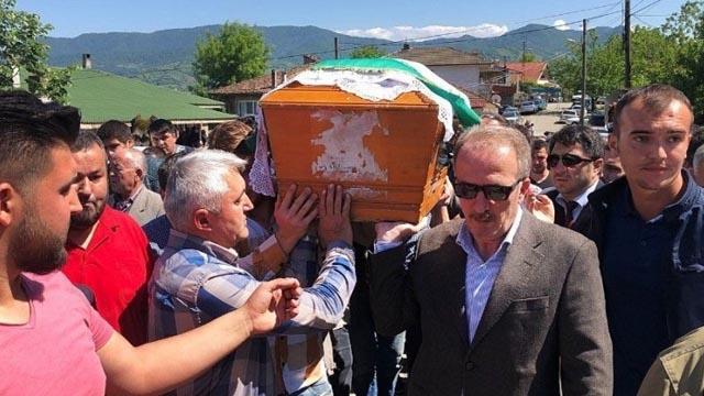 İzmir'de bir öğrenci mezuniyetinden bir gün önce akıma kapılarak öldü