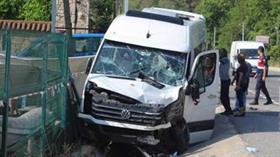 Marmaris'te Rus turistleri taşıyan minibüs tırla çarpıştı: 18 yaralı