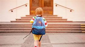 Okula başlama yaşını 69 aya çıkaran kanun teklifi komisyonda kabul edildi