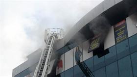 Güngören'de iş yeri dumanlar içinde kaldı