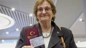 69 yıllık vatan özlemini gideren Raşel Kazes, Arjantin'e döndü