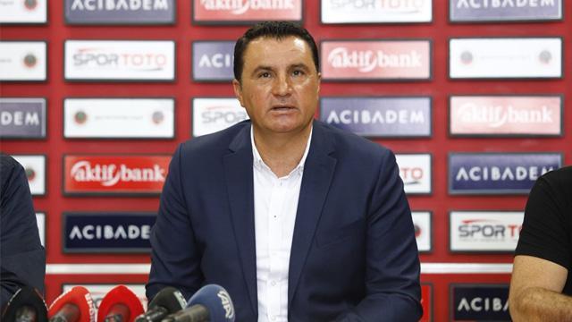 Mustafa Kaplan, Gençlerbirliği ile 1 yıllık sözleşme imzaladı