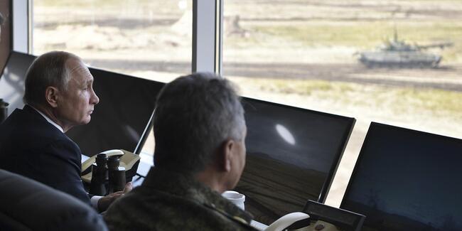 Putin başkomutanlık sıfatıyla emri verdi: Savaş durumuna geçin